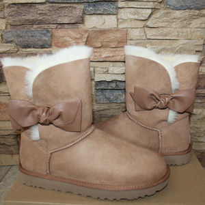 UGG DAELYN LEATHER BOW SUEDE BOOTS NEW! CHESTNUT